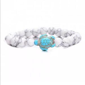 Other - Turquoise gemstone turtle charm bracelet